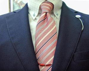 超軽量服地:SHALICK BREATH JAKET<br /> 猛暑日が続きます。<br /> どんなに暑くても着なくてはならないとき<br /> この服地・縫製は最適です。<br /> #tailor<br /> #anniversary62nd #ビスポーク #テーラー中山 の #スーツ の #vzone をアップ