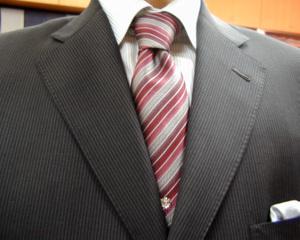 オフィシャル・スーツ