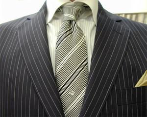 クラシコ・2ピース・濃紺ペンシルストライプ(秋の洋服まつり)