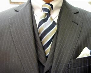 クラシコ・3ピース・グレイ(NAPOLENA 3RD GENERATION)ピンホール(Shirt-pin)