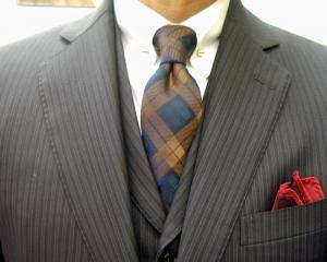 濃紺ウーステッド・3ピース/クラシコ ピンホールのシャツ