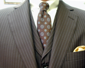 クラシコ・3ピース・(ナチュラルストレッチ)茶 両玉 ピンホール(Shirt-pin)